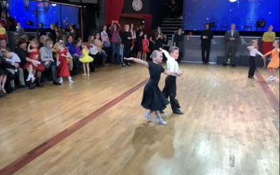 """Саша Тоня, и их чемпионский танец Ча-ча-ча на турнире """"Восходящие звёзды"""""""